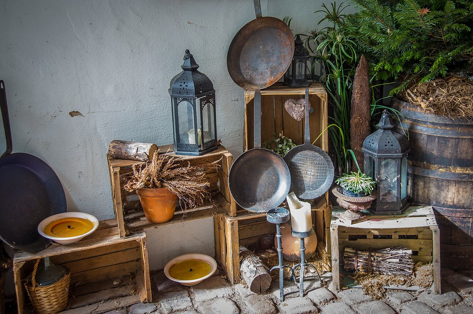 田舎の台所、フライパンのある風景