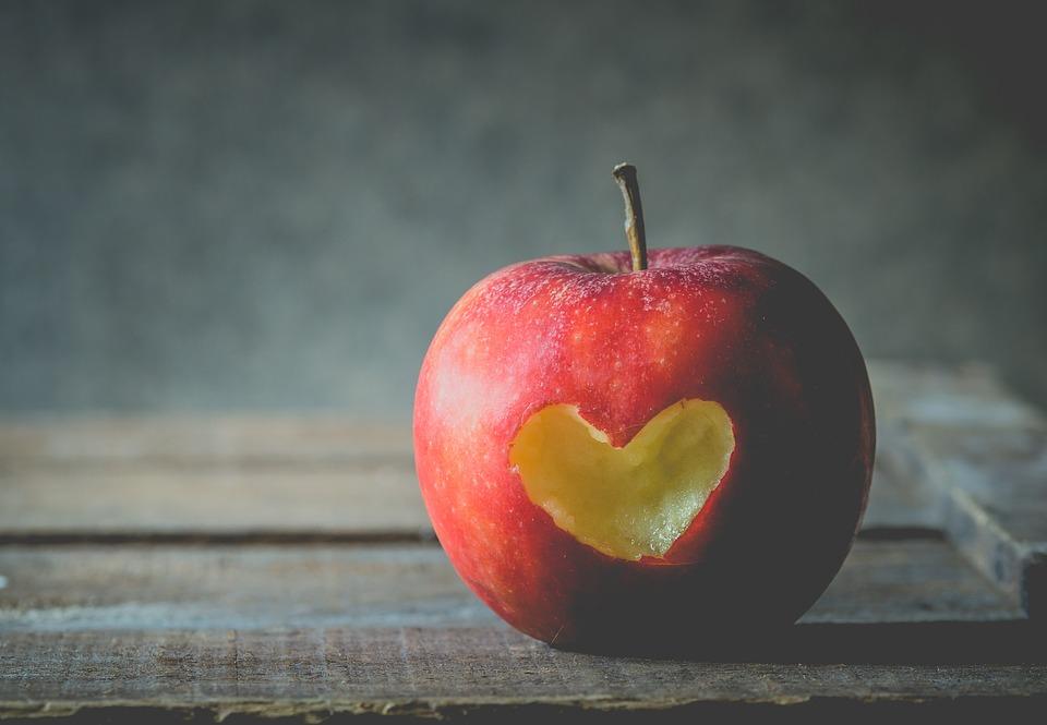 りんごにハート