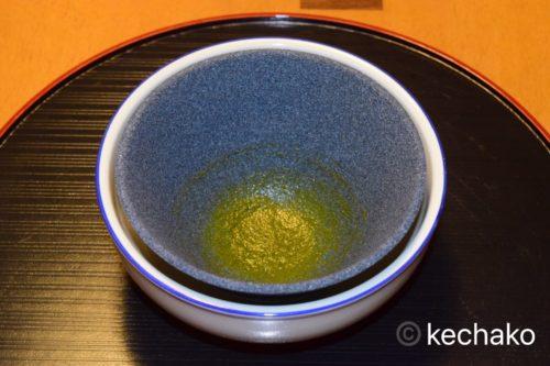 セラミックフィルターに残った茶葉