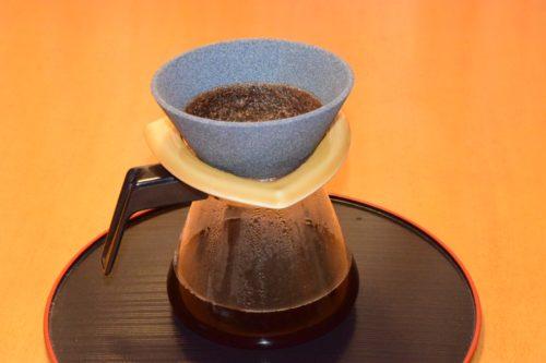 セラミックコーヒーフィルターでコーヒーを淹れる